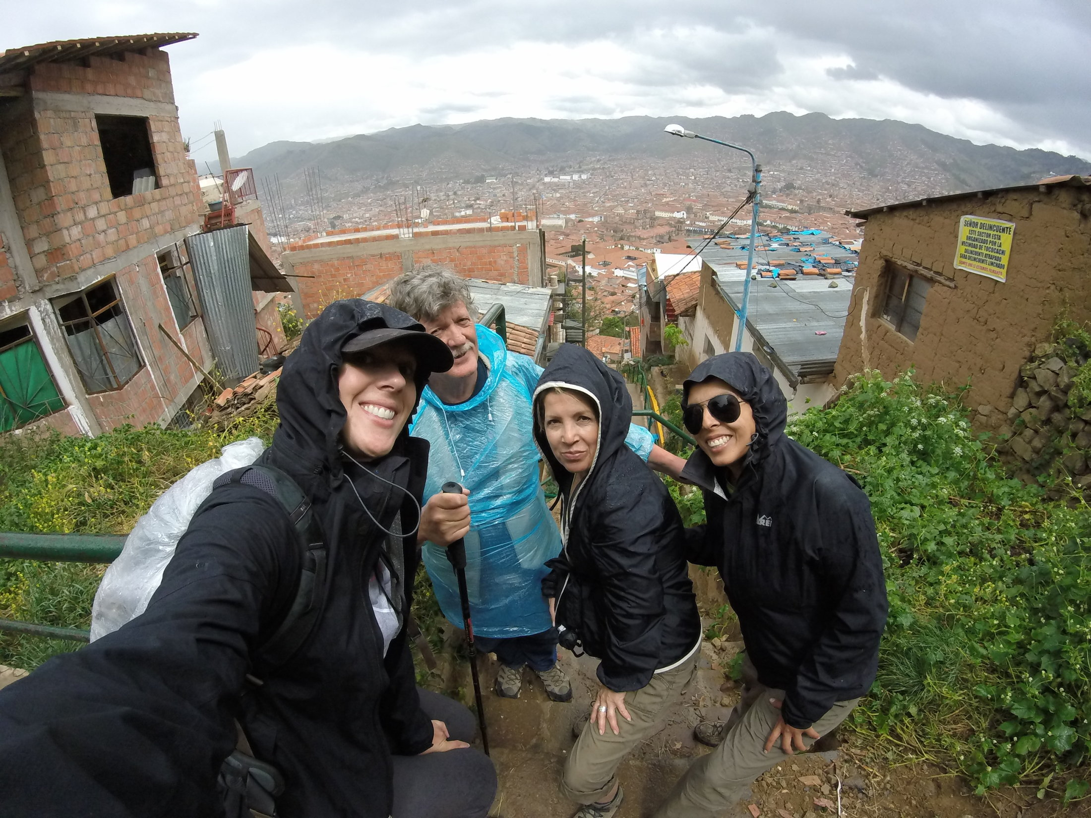 Rainy day hike to the Cristo Blanco