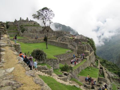 Sharing Machu Picchu with many tourists