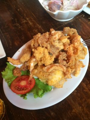 Chicharron (fried mixed seafood)