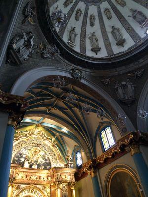 Intricate ceiling inside Convento de Santo Domingo