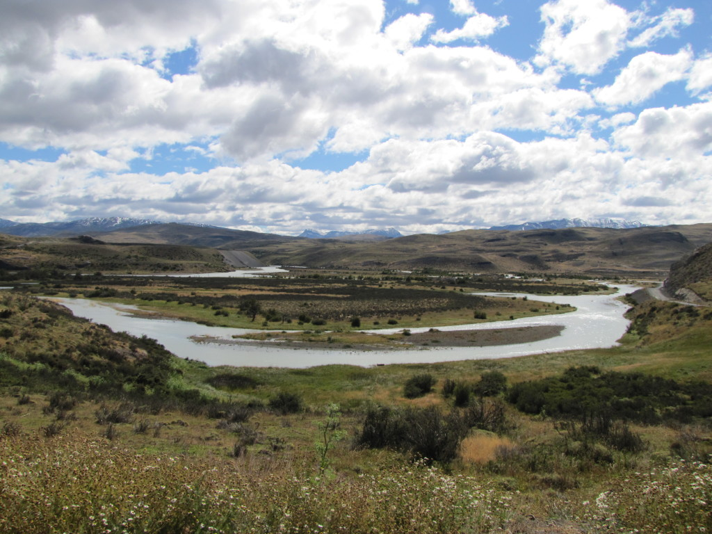 Vantage point over the valley before entering the eastern entrance to Torres del Paine